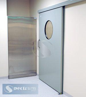 Двери лакированные с круглым окном
