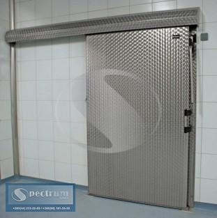 Холодильные одностворчатые откаточные двери