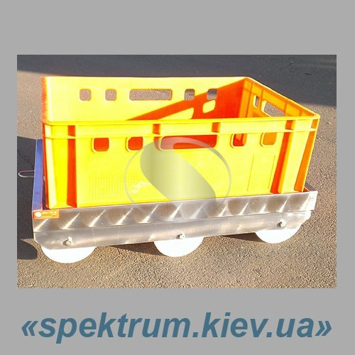 Telezhka-dlja-plastikovyh-jashhikov