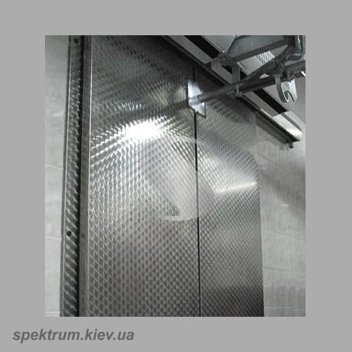 Morozilnye-dvustvorchatye-dveri